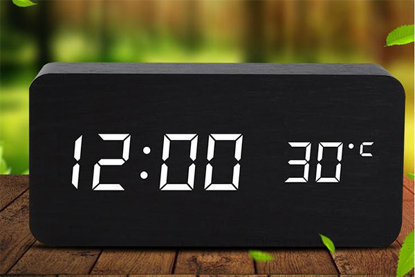 创意LED木质多功能时钟 178°可视床头柜上的一抹清新