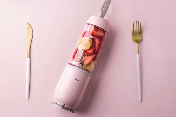 小熊便携式电动榨汁机 随时随地喝新鲜果汁