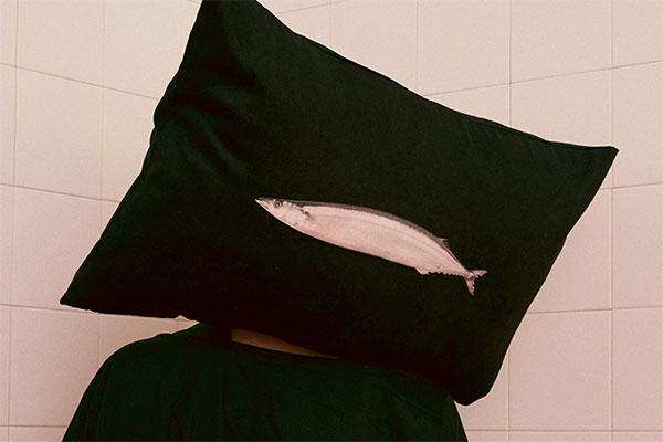 懒人创意枕头 撒贝宁明星大侦探同款快乐肥宅枕头帽